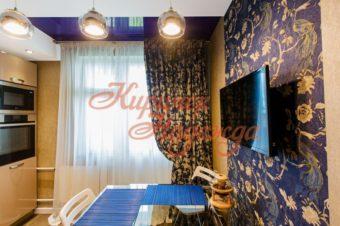 Ассиметричные шторы – акцент стиля в интерьере