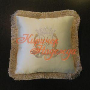 заказть ручную вышивку подушек